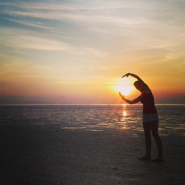 Fotka od Ferdika. Hughing the sunset