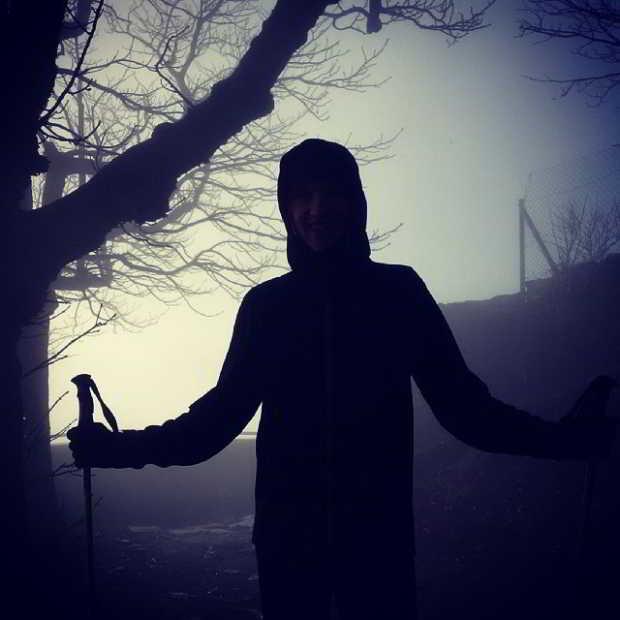 Fotka od Ferdika. Track to misty #Milesovka, 2nd highest peak of Central Bohemia @verunkavalent. 836m, 17k. #trail, #hiddenpath, #mist