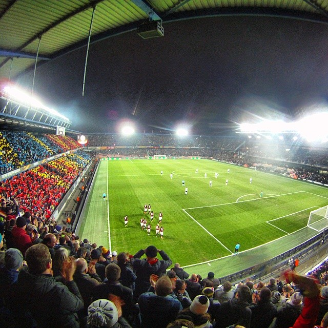 Fotka od Ferdika. 70/366: #Uefa #europaleague: @acsparta_cz just scored but finally after hard battle the score with Lacio is 1:1. The game will continue next week in #Roma. #spartaprague, #spartapraha, #acsparta, #lacio