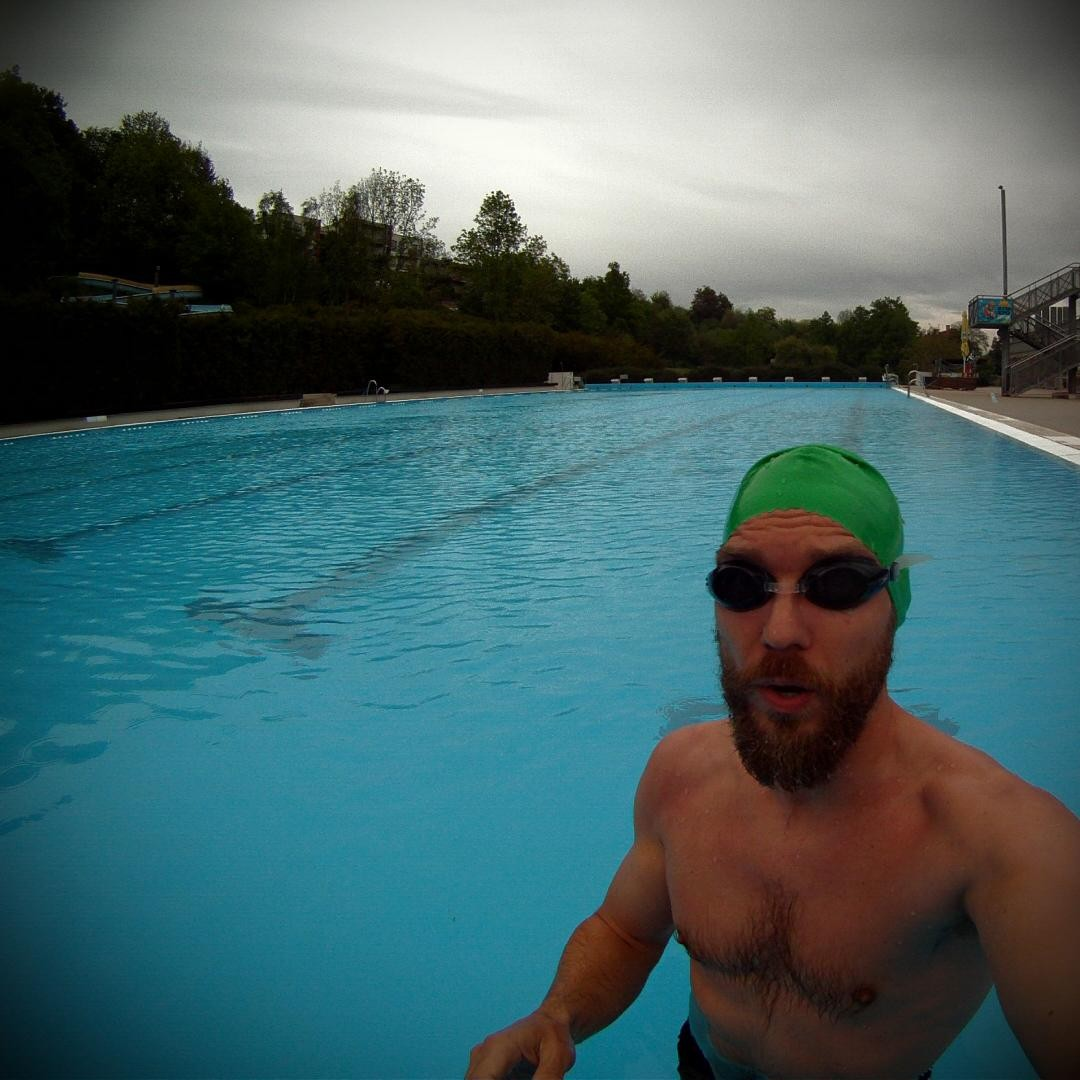 Fotka od Ferdika. 133/366: 21°C #water temperature in #petynka #swimmingpool = fast 1000m #training. #swim, #pool, #swimtraining, #freestylestroke, #freestyleswimming, #crawl, #workinghard, #bestoftheday, #gopro, #goprohero, #speedo