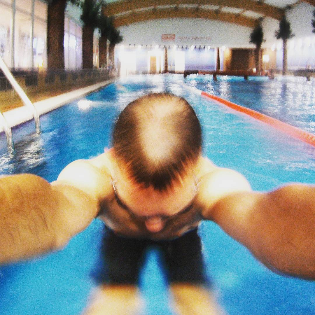 Fotka od Ferdika. 144/366: You know these swimming sessions when you feel fresh & relaxed and ready to swim all night:-) #training. #swim, #pool, #swimtraining, #freestylestroke, #freestyleswimming, #crawl, #workinghard, #bestoftheday, #photooftheday, #pictureoftheday, #gopro, #goprohero, #speedo,#swimmingpool