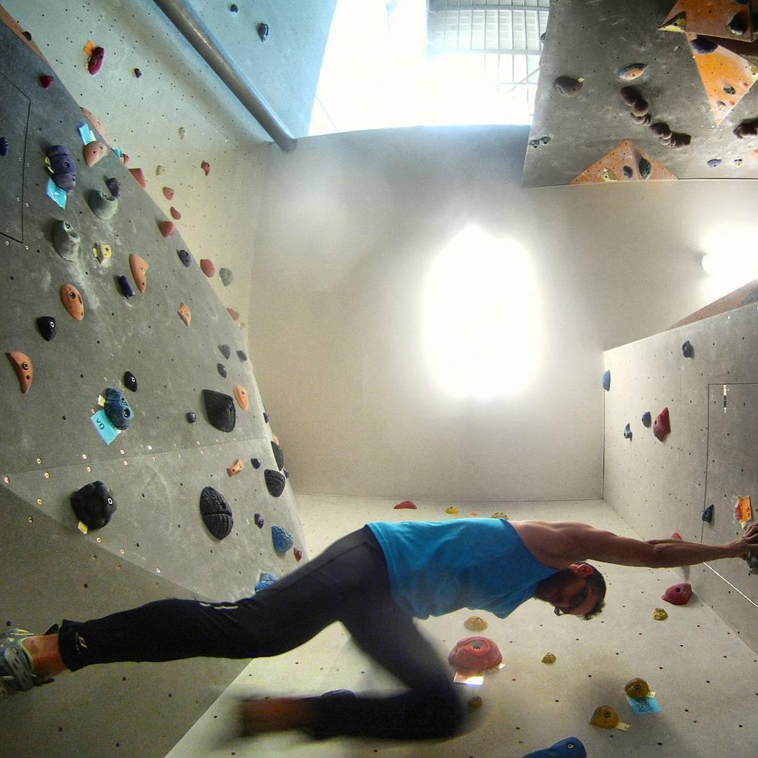 Fotka od Ferdika. 215/366: Somewhere in between... #Bouldering after 2 weeks feels good. #boulder, #climbing, #ocun, #lasportiva, #bigwallprague, #shotoftheday, #bestoftheday, #photooftheday, #gopro, #goprohero