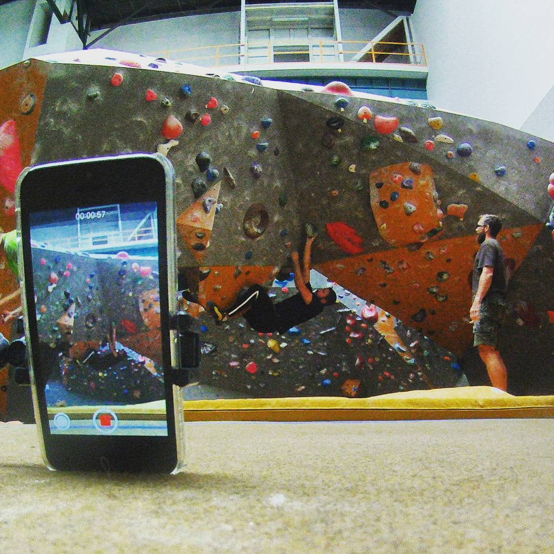 Fotka od Ferdika. 222/366: #Video analysis is important. I found that my upside down #climbing is so slow & without the rythm that I run out of power in the middle of the problem. #boulder, #bouldering, #boulderproblem, #training, #upsidedown, #bigwallprague, #ocun, #lasportiva, #shotoftheday, #bestoftheday, #photooftheday, #gopro, #goprohero