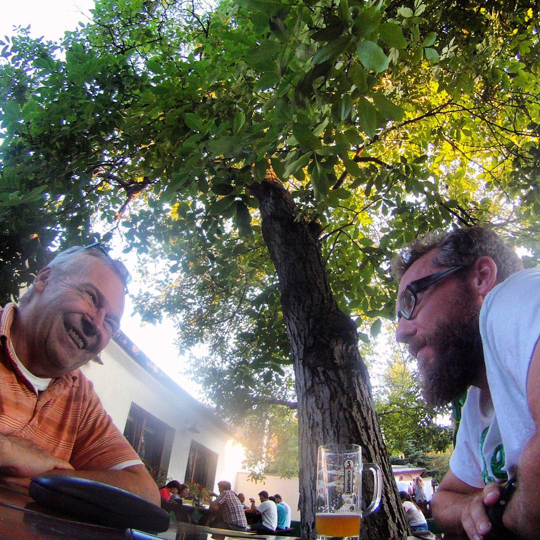 Fotka od Ferdika. 231/366: #Father and son's #discussion about #Olympic games #Rio. #obora, #oborahvezda, #beer, #beergarden, #gopro, #goprohero, #bestoftheday, #photooftheday
