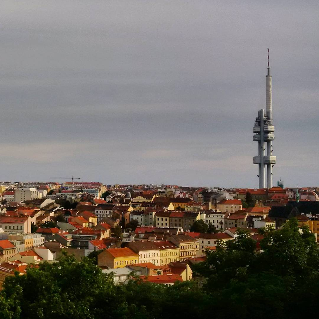 Fotka od Ferdika. 247/366: Hello #Prague! Nice #walk to #Vitkov with view on #Zizkovskavez. @verunkavalent. #jetlag, #weekend, #coffee, #hiddenpaths, #view, #chill, #welcomehome, #bestoftheday, #photooftheday, #picoftheday, #pictureoftheday