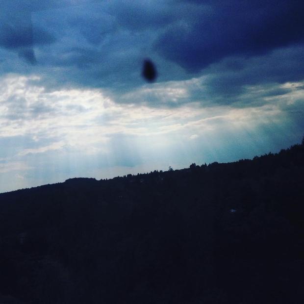 Fotka od Verunky. #ufo nad #d1 !! 👽 🤔 ..aneb nuda v busu.. 🤓