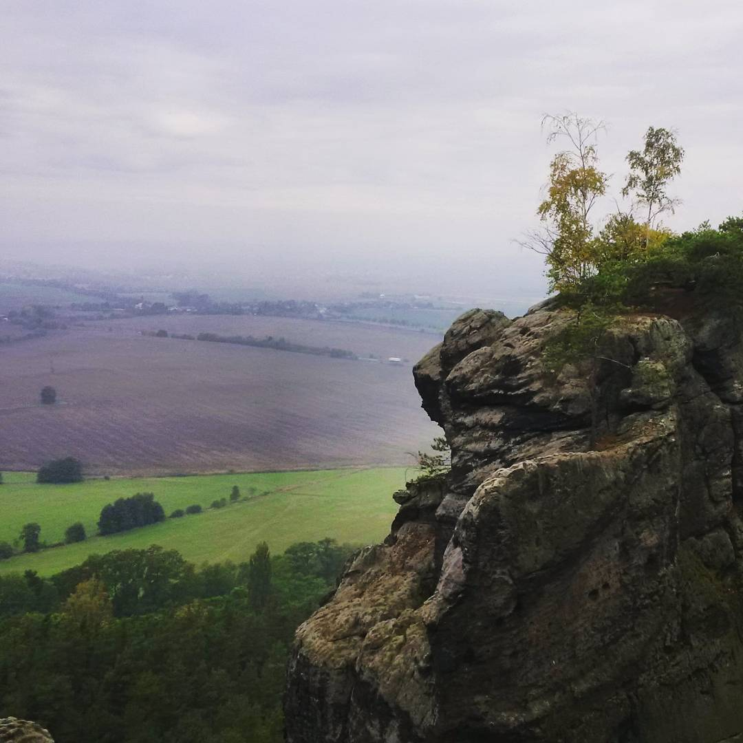 Fotka od Ferdika. 290/366: Good morning from #Drabskesvetnicky. #forrest, #forrestrun, #run, #running, #runner, #trailrun, #lasportiva, #lasportivarunning, #nature, #rocks, #smallclimb, #instarun, #bestoftheday, #topoftheday, #photooftheday, #picofday, #pictureoftheday