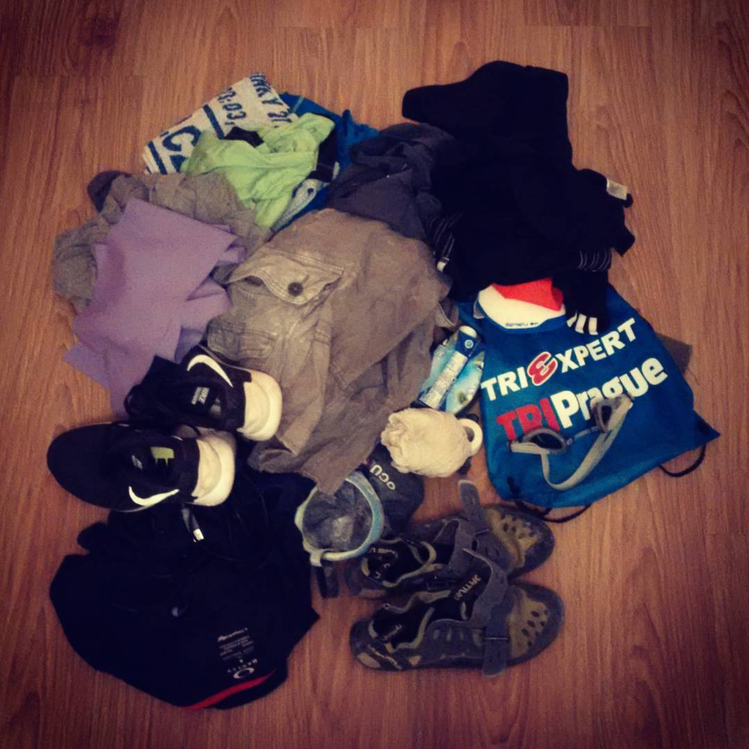 Fotka od Ferdika. 343/366: There is often problem with logistics during the week full of #sport #activity. This is what I found in #car #trunk today. #mess, #sportgear, #nike, #mizuno, #ocun, #lasportiva, #topoftheday, #bestoftheday, #photooftheday