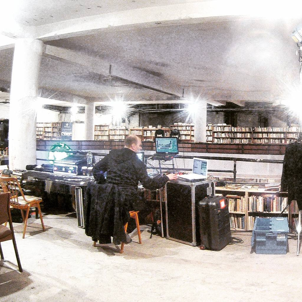 Fotka od Ferdika. 349/366: Probably the most beautiful & largest #secondhand #bookshop in #Prague - #Dup36. #book, #books, #bookstagram, #bookstore, #instabook, #reading, #goprohero, #gopro, #bestoftheday, #picofday, #photooftheday