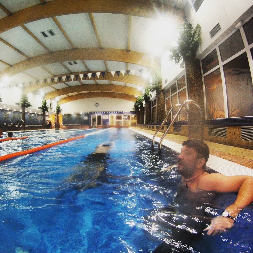 Fotka od Ferdika. 350/366: #Morning drill. #swimmingpool, #swimming, #swim, #swimmers, #pool, #training, #morningswim, #instaswim, #gopro, #goprohero, #bestoftheday, #topoftheday, #picofday