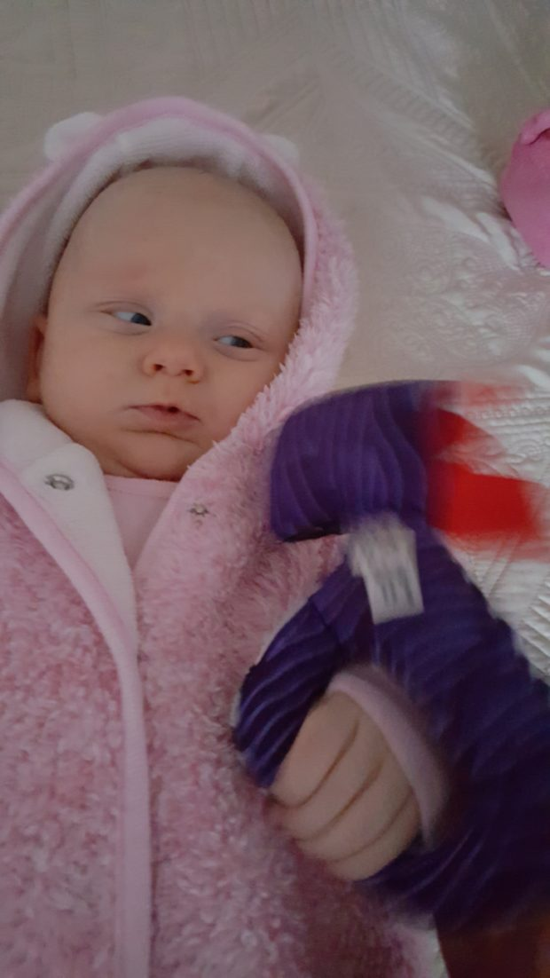 Eliška a první hračka