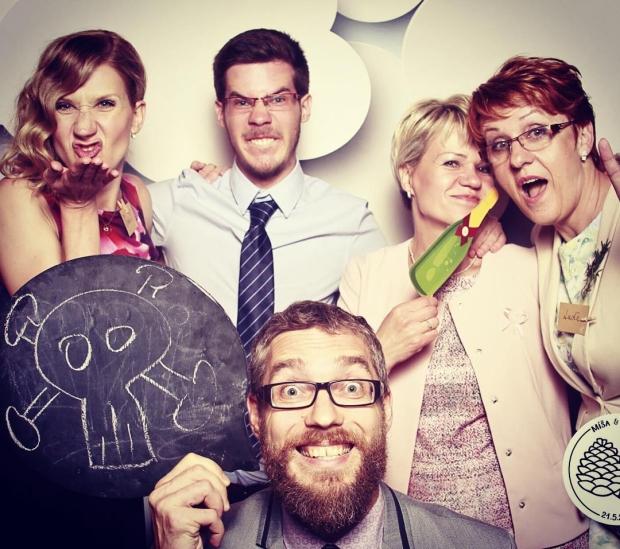 Fotka od Verunky. Nejlepsi svatba roku! Misa&Davca forever❤️ @ferdinandvalent @kubagrossmann, Ehanek&Ludenka&dalsich 70 lidi 😄 #dvesisky